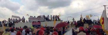 Hà Tĩnh - 10000 Menschen protestieren vor Formosa Stahlwerk