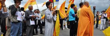 Demonstration gegen die KP Vietnams und KP Chinas