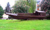 Gedenktafel an die Boatpeople in Deutschland